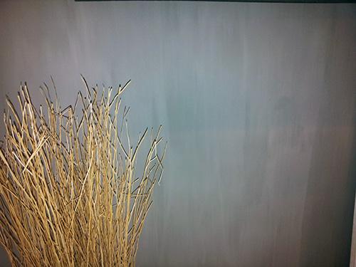 Muur grijs geschilderd met kalk effect